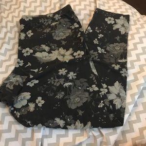 4/$25 Old Navy leggings